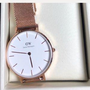 DW Daniel Wellington 32mm women's watch